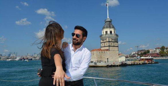 Kız Kulesinde Evlilik Teklifi